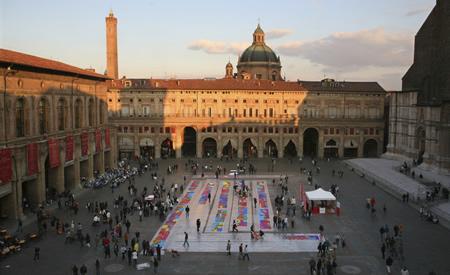 Distribuzione volantini e volantinaggio Bologna