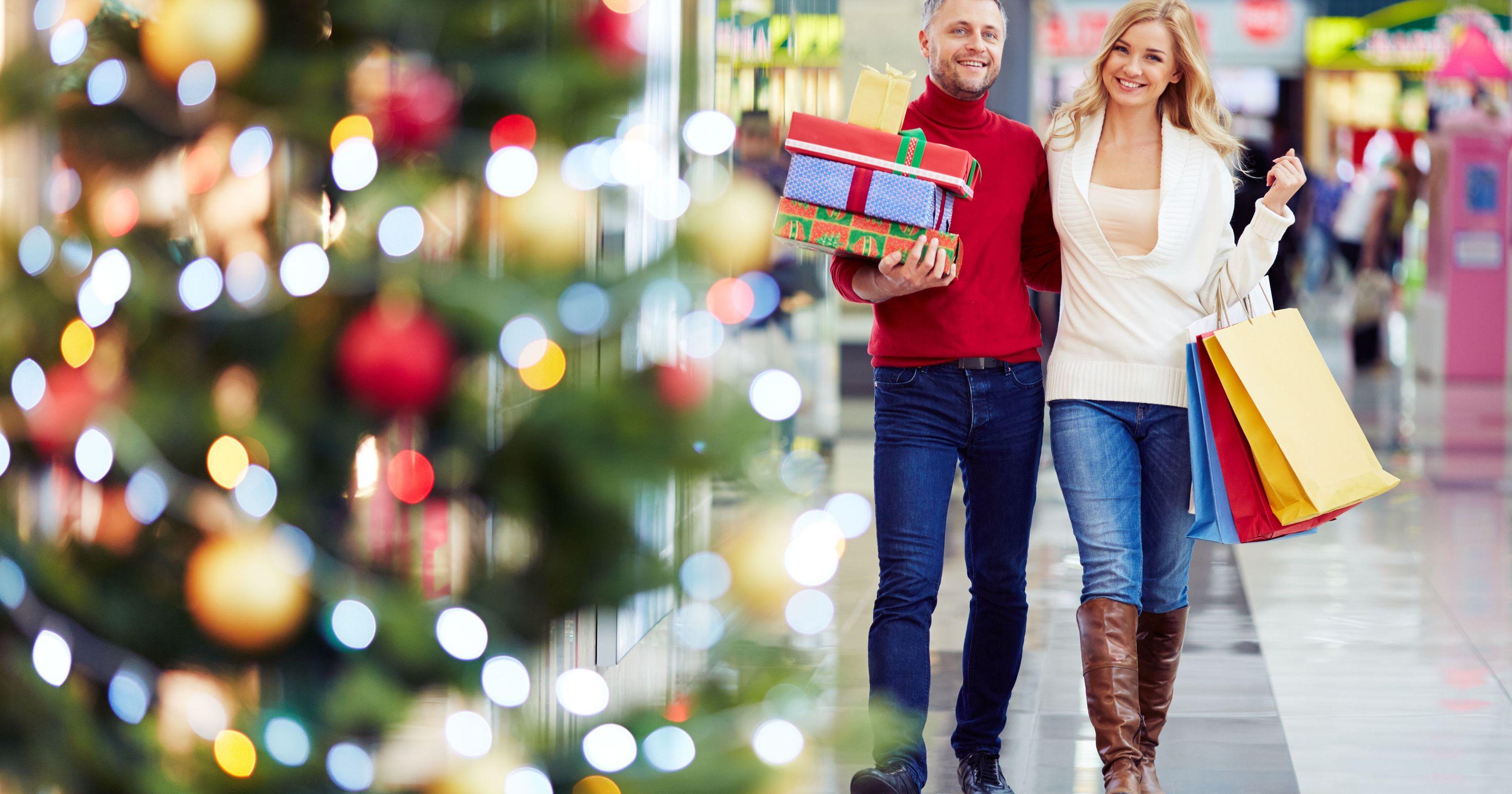 """Lo shopping natalizio e la """"guerra"""" dei volantini"""